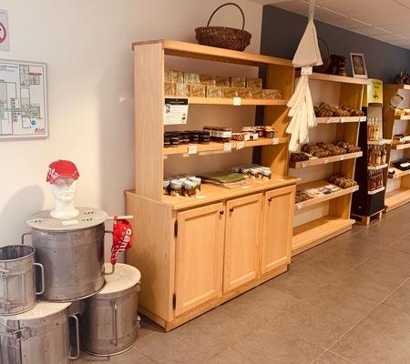 Coopérative laitière agricole de Saint-Bonnet-de-Salers - Saint-Bonnet-de-Salers - Le magasin de produit d'Auvergne